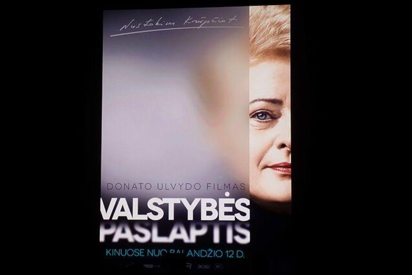 """""""Pataikūnų puota maro metu"""" –  tai naujas """"dokumentinis"""" filmas apie Dalią Grybauskaitę"""