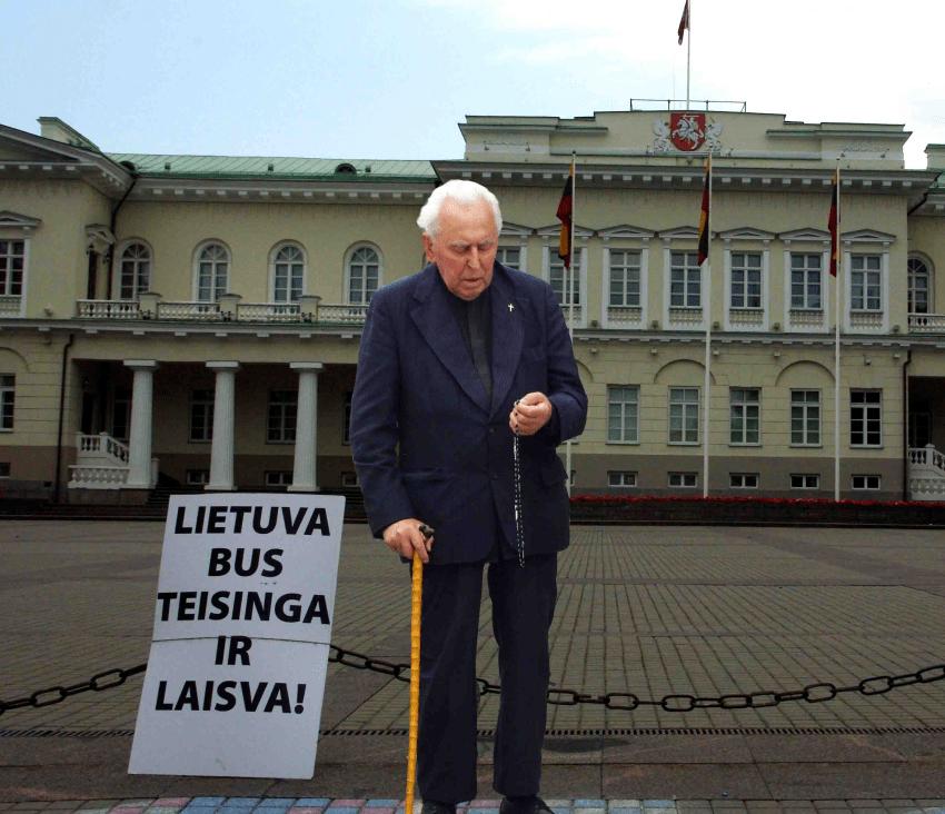 """Kunigas Antanas Bulota : Neduok Dieve, kad naujos rinkiminės """"dalios"""" netaptų skurde ir skolose paskandintai Lietuvai – kita gėdos """"dalia""""?"""