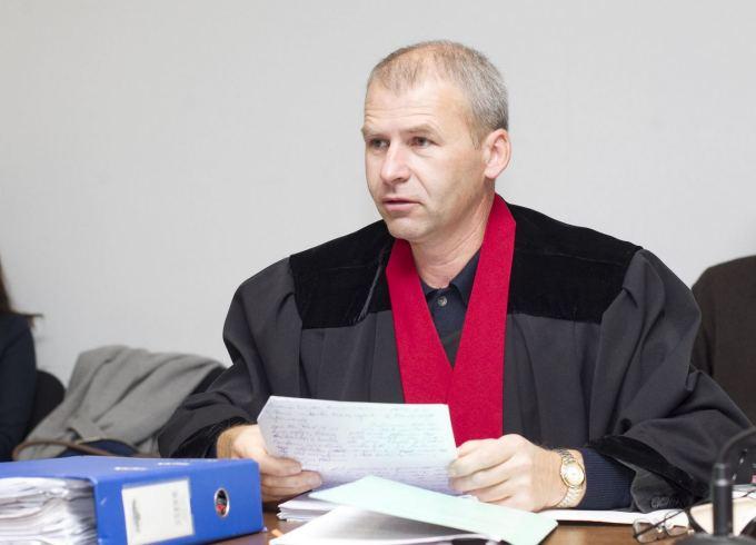 """Žudikus ir pedofilus prokuratūra pridengia neskundžiamais """"raštais"""", A.Širinskienė užsimerkia"""