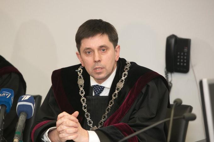 """Teisėjas M.Gvozdovičius : """"Teismas turi teisę klastoti bylas"""""""