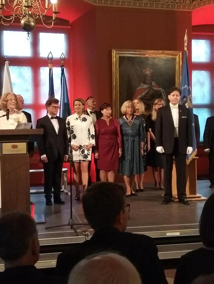 Lietuvos bajorai atgimė, palikę milijoną eurų skolų