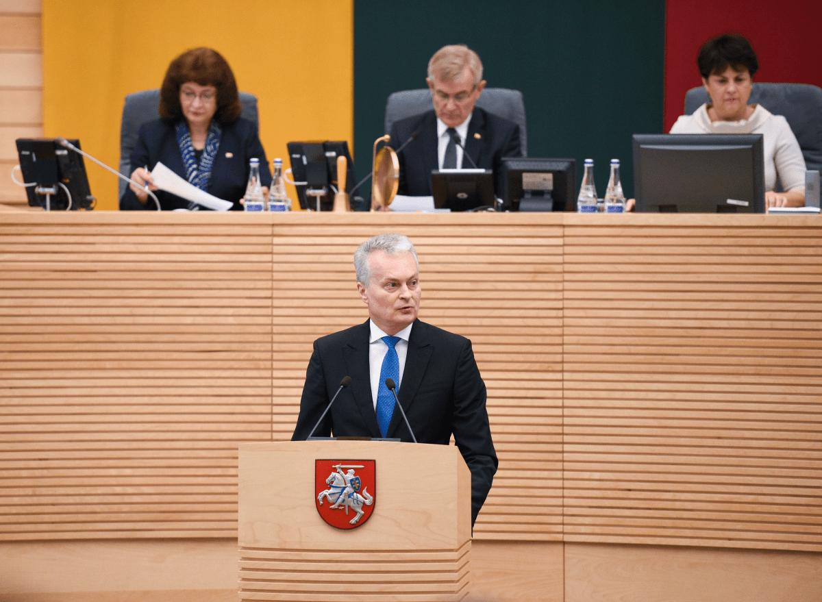 G.Nausėda siūlo į premjerus korupcijos simbolį – Saulių Skvernelį