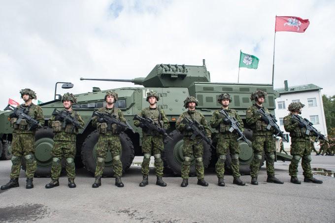 """G.Nausėdos """"Gerovės valstybei"""" trūksta dar tankų už 30 mln. skolintų eurų"""