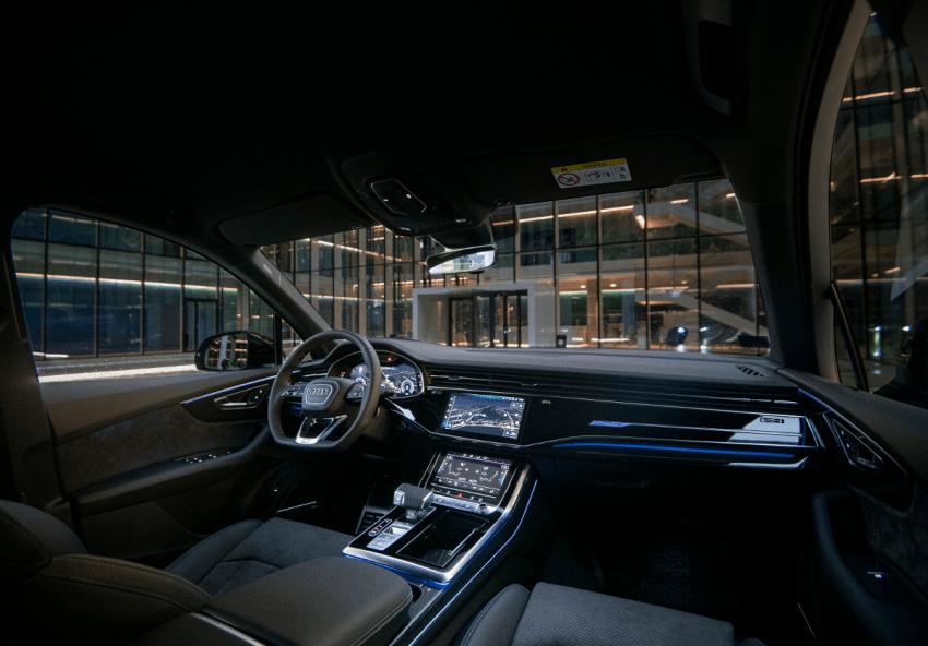 """Į Lietuvą atkeliavo komforto ir dinamikos flagmanas """"Audi Q7"""""""