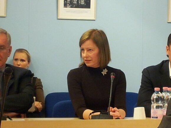 """Prokurorė Kryževičienė siūlo teismui uždrausti rašyti A.Drižiui straipsnius, L.Stankūnaitės tėvas – pagydyti """"psichuškėje"""""""