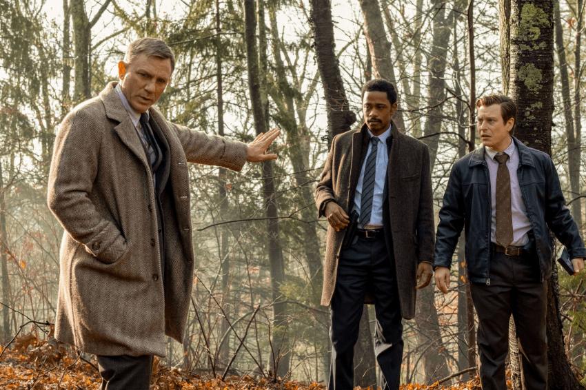 """Chrisas Evansas apie detektyvo """"Ištraukti peiliai"""" filmavimus: mums visiems teko """"šokti"""" pagal Danielio Craigo dūdelę"""