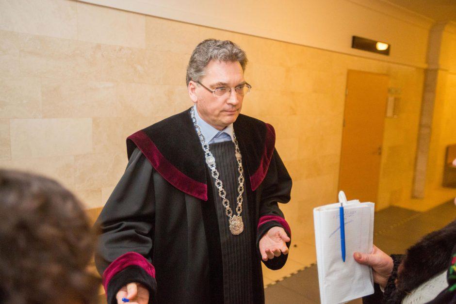 """N.Venckienę suimti liepė toks teisėjas Raimundas Mikšta, prieš tai teisęs jos tėvus už intelektualų """"anūkės tvirkinimą"""""""