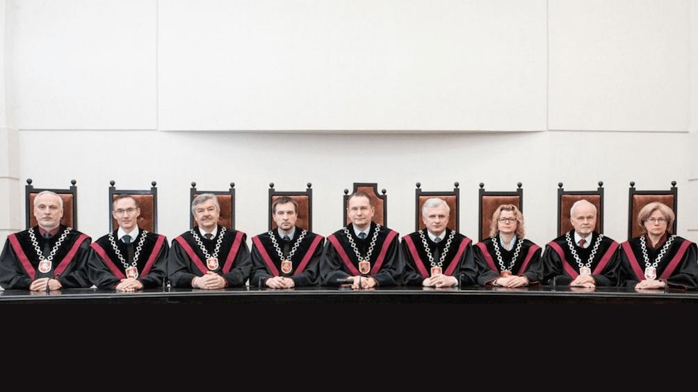 Konstitucinis teismas uždraudė Seimo veiklą