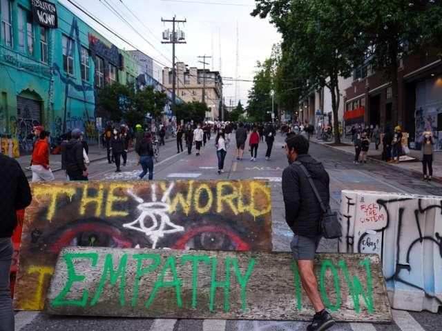 Aurimas Guoga : Kodėl kairieji radikalai siekia panaikinti policiją?