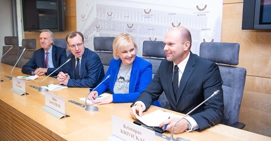 R.Janutienė neteko pasitikėjimo, pasiūliusi Centro partijos sąraše vietas suteikti korupcija išgarsėjusiems asmenims