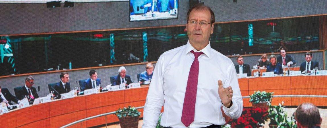 """15 mln. eurų """"otkatų"""" išreketavęs Uspaskich  po Seimo rinkimų žada užimti premjero postą (pildoma)"""