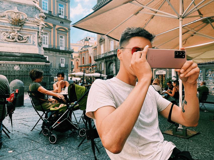 O. Gasanovas ėmėsi eksperimento: savo kelionių laidą nufilmavo tik mobiliuoju telefonu