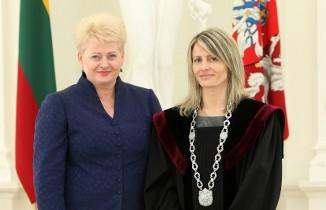 """Teisėja J.Kolyčienė : """"prezidentūros darbuotojai gali daryti bet kokius nusikaltimus, įstatymai jiems negali būti taikomi"""""""