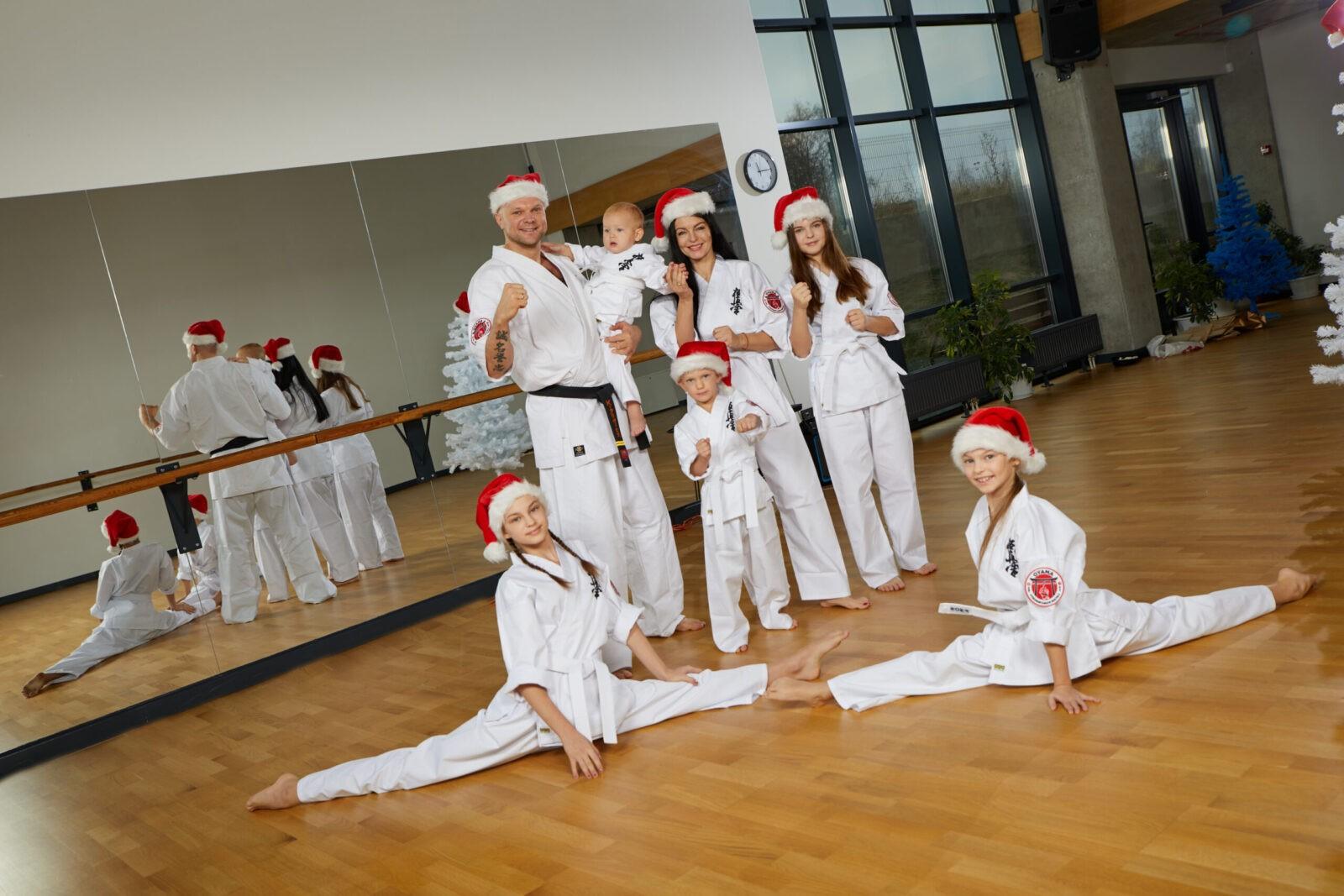 K.Krivicko šeimoje – karate Kalėdos, įsteigė kovos menų mokyklą