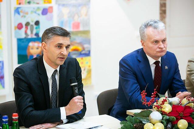 Kliba G.Nausėdos vyriausiojo patarėjo J.Neverovičiaus kėdė
