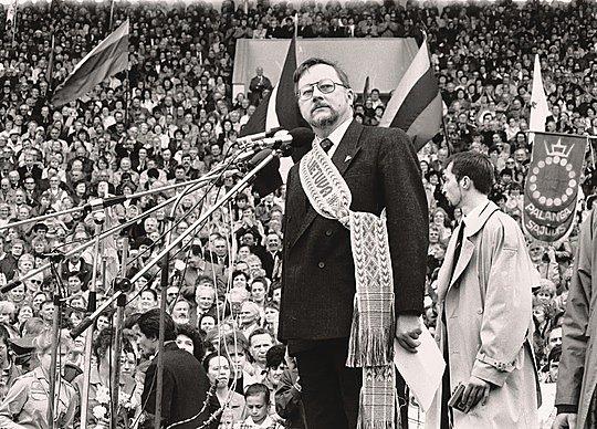 """""""Sąjūdžio"""" lyderiu pats Vytautas Landsbergis faktiškai buvo paskirtas itin slapto LKP CK posėdžio metu"""