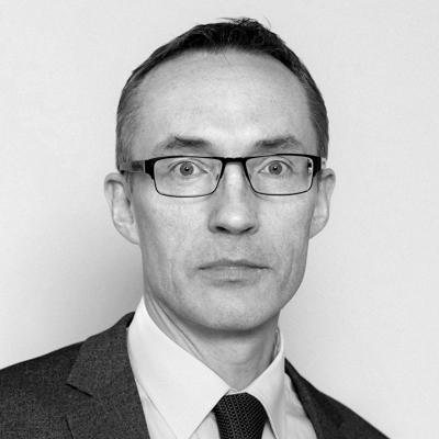 Prof. E. Šileikis, kaltinantis Seimą manipuliavimu, pats teikia paslaugas verslininkams, kurie teisiami politinės korupcijos bylose