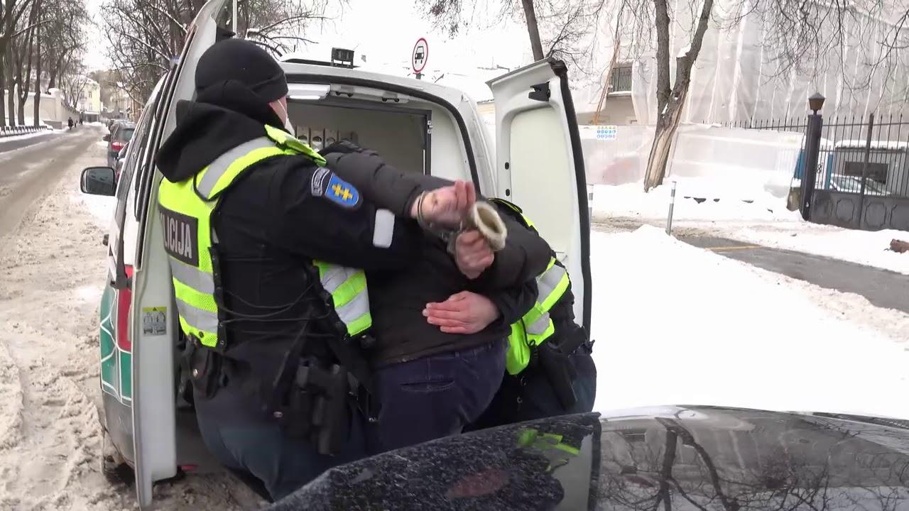 Visas vaizdo įrašas, kaip policija tramdė tiesos prašančius žmones