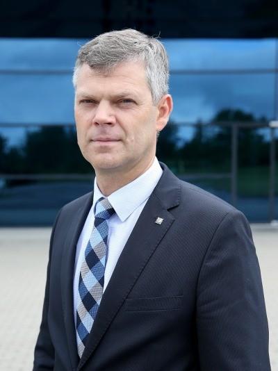 """G.Nausėda mūru stoja už jį sekusį VSD – kokį """"kompromatą"""" apie prezidentą turi D. Jauniškis?"""