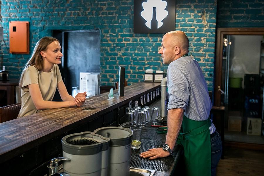 Atveriami kavinės ir barai: išmanūs sprendimai, padėsiantys veikti saugiau ir efektyviau